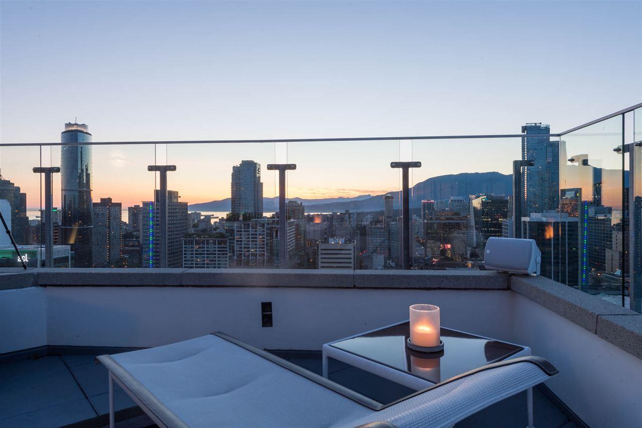 Condo Apartment at 2902 565 SMITHE STREET, Unit 2902, Vancouver West, British Columbia. Image 4