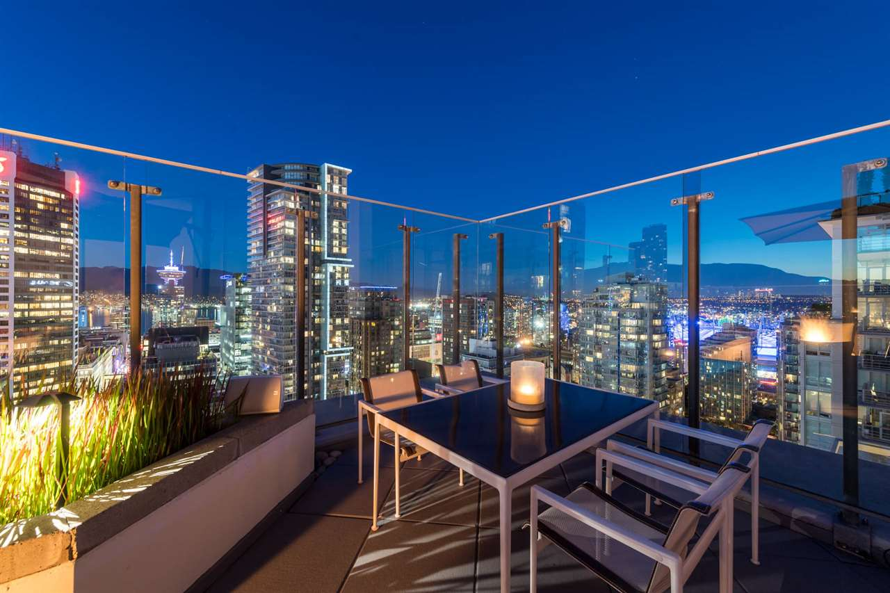 Condo Apartment at 2902 565 SMITHE STREET, Unit 2902, Vancouver West, British Columbia. Image 5