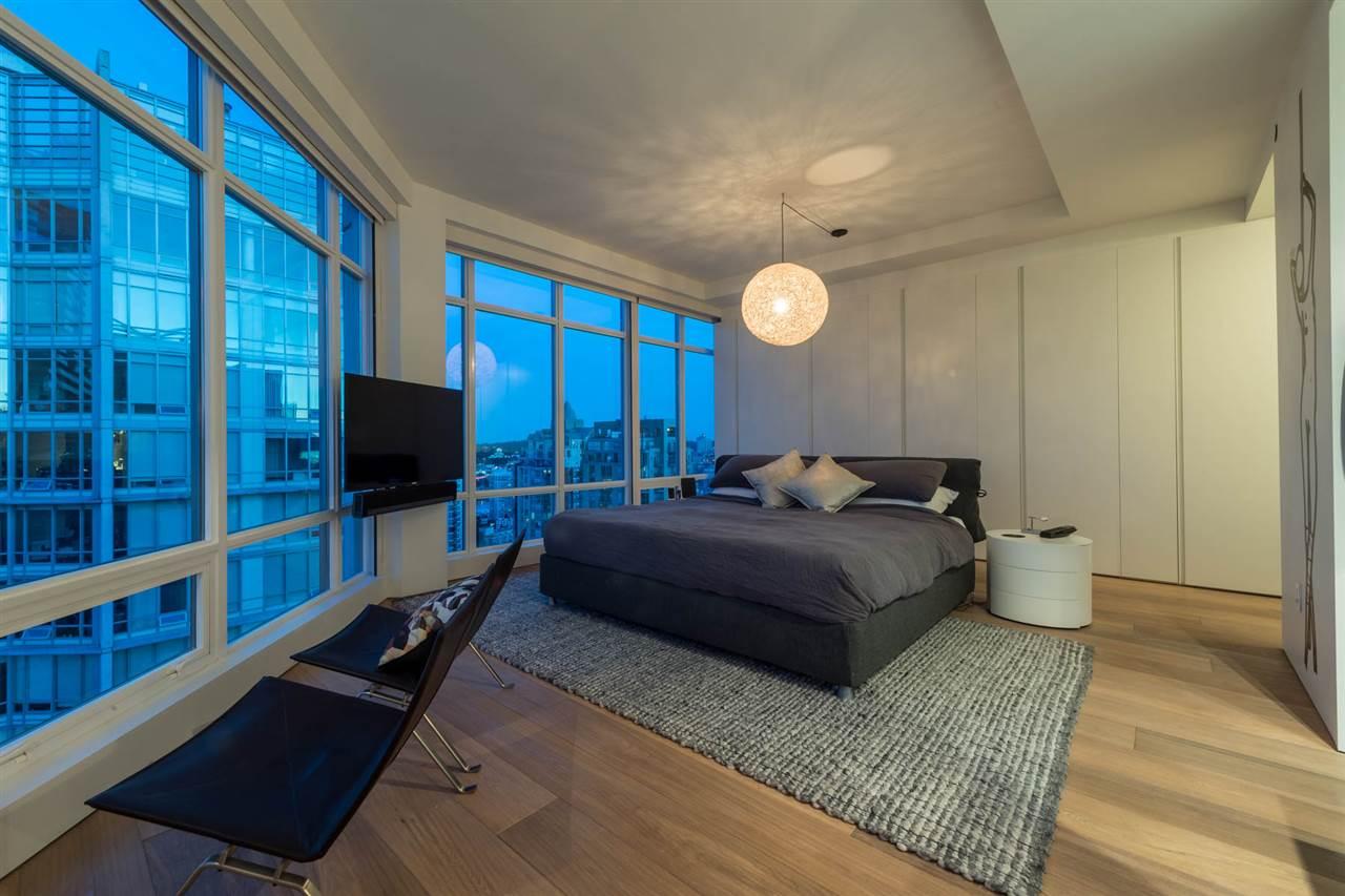 Condo Apartment at 2902 565 SMITHE STREET, Unit 2902, Vancouver West, British Columbia. Image 11