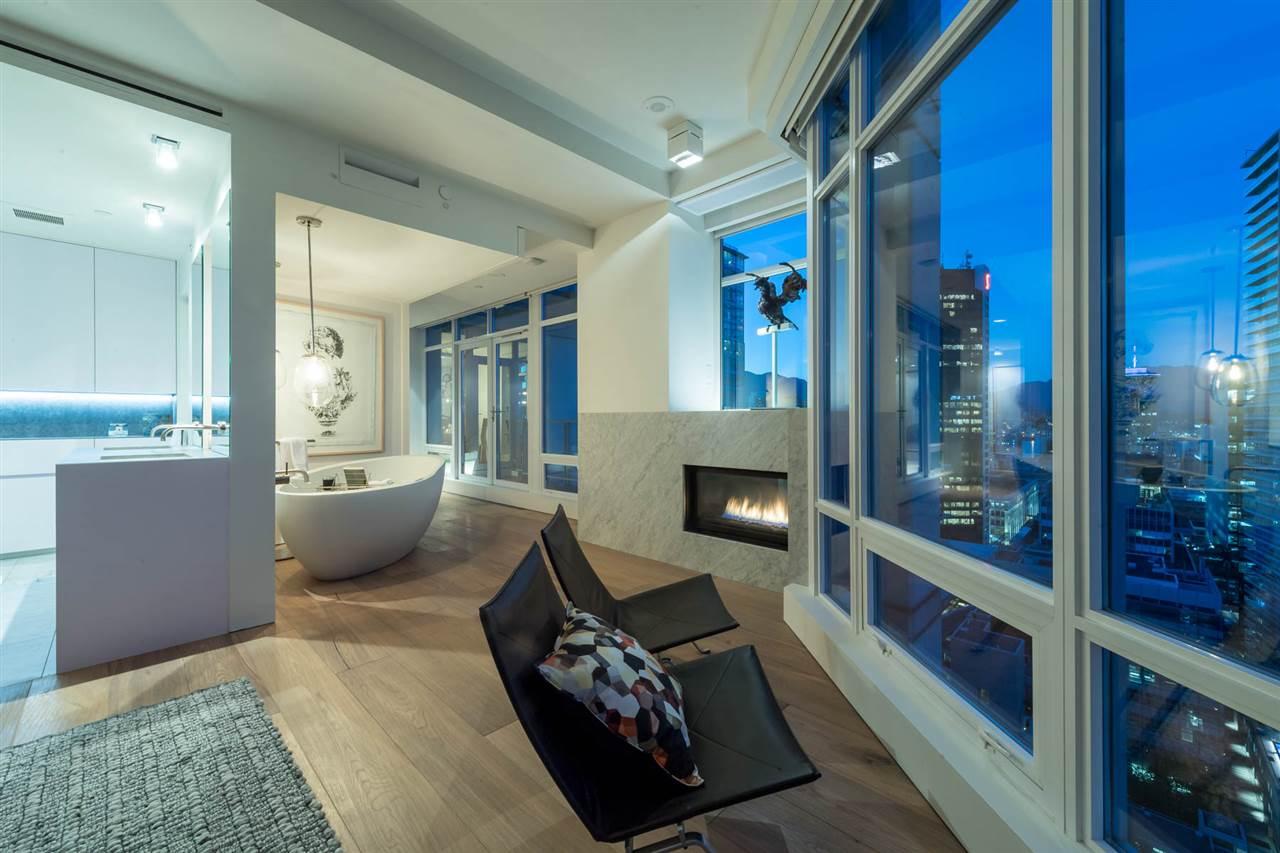 Condo Apartment at 2902 565 SMITHE STREET, Unit 2902, Vancouver West, British Columbia. Image 13