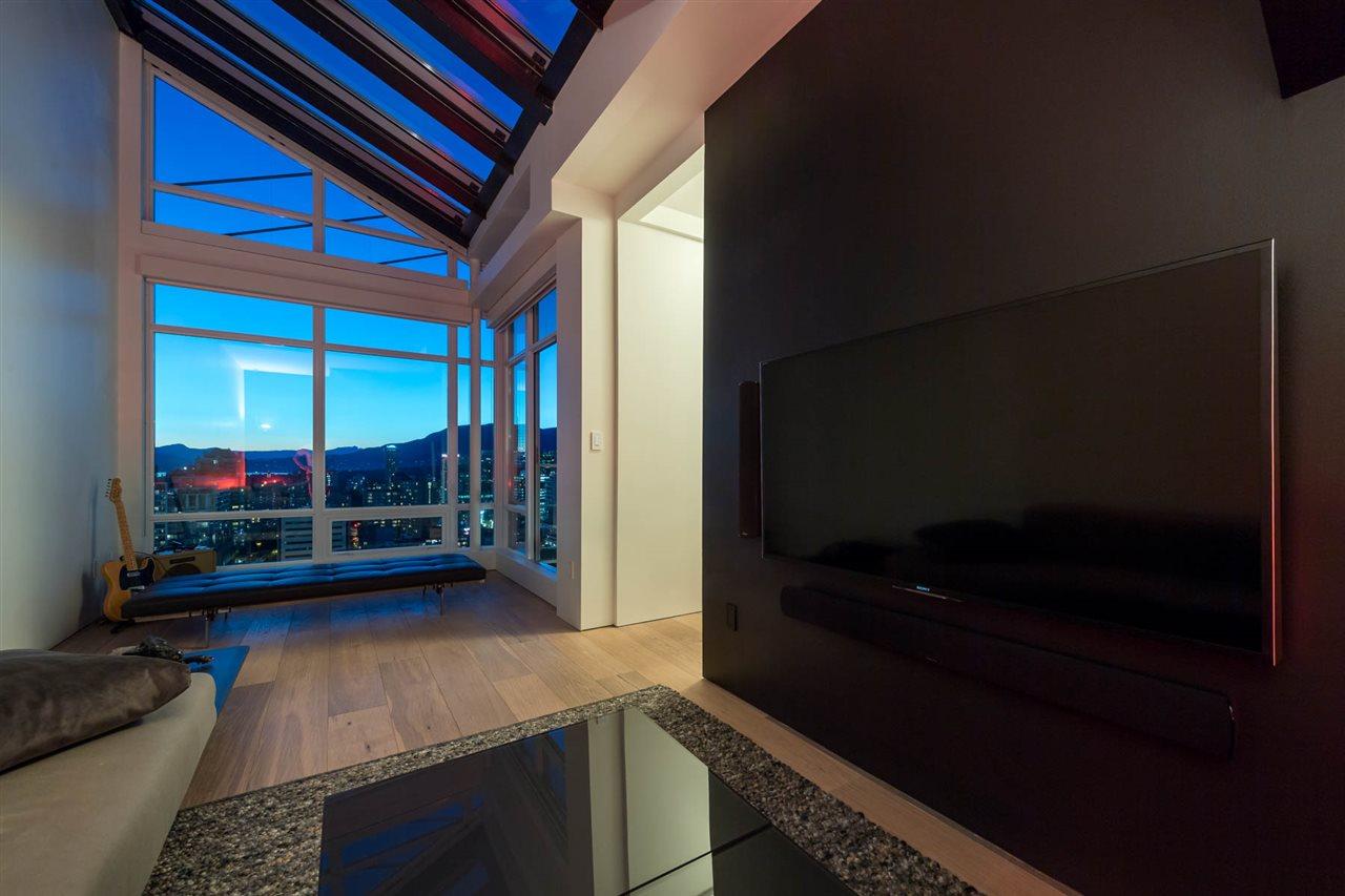 Condo Apartment at 2902 565 SMITHE STREET, Unit 2902, Vancouver West, British Columbia. Image 16