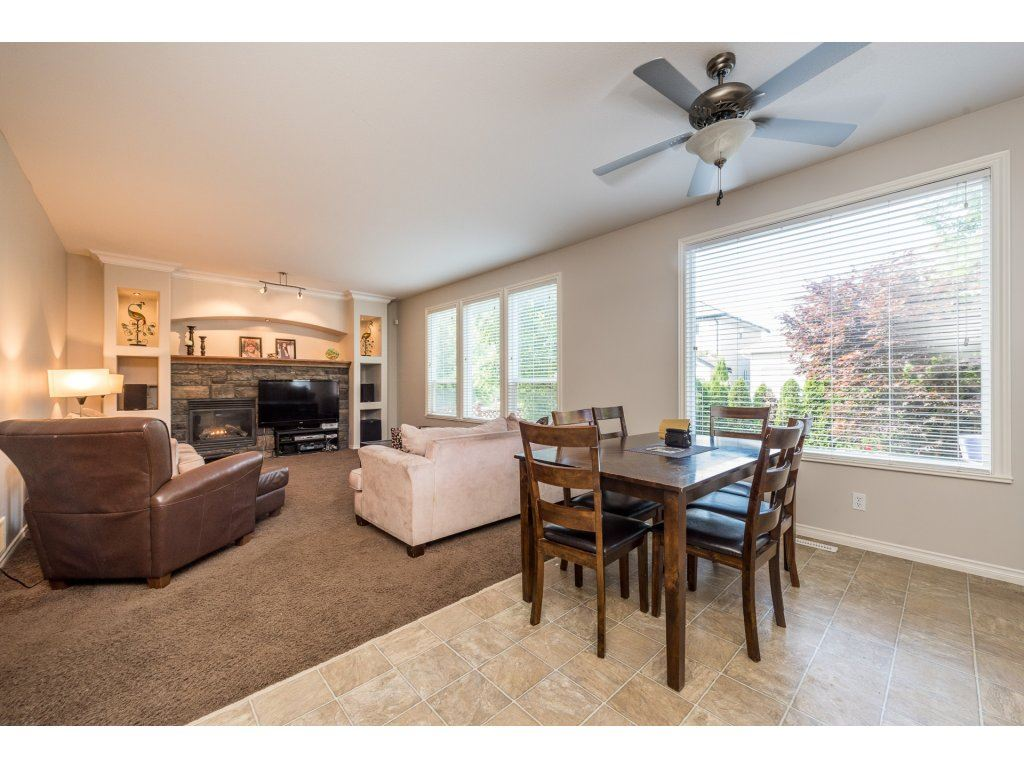 Detached at 18917 69A AVENUE, Cloverdale, British Columbia. Image 5