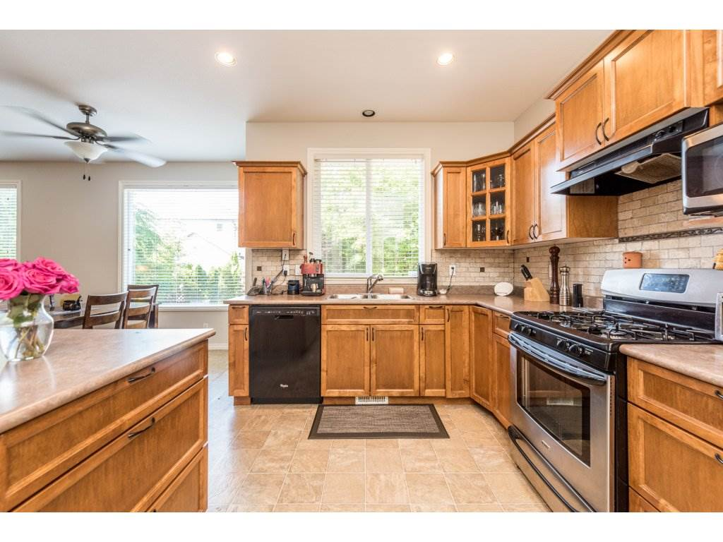 Detached at 18917 69A AVENUE, Cloverdale, British Columbia. Image 10