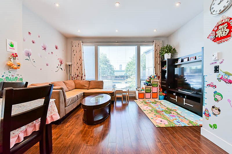 Townhouse at H 6688 DUFFERIN AVENUE, Unit H, Burnaby South, British Columbia. Image 2