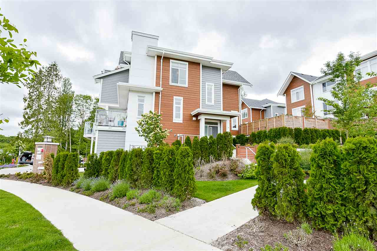 Townhouse at 1 15918 MOUNTAIN VIEW DRIVE, Unit 1, South Surrey White Rock, British Columbia. Image 2