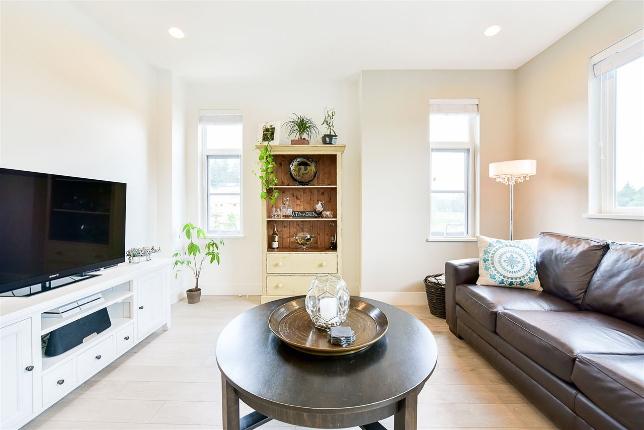 Townhouse at 1 15918 MOUNTAIN VIEW DRIVE, Unit 1, South Surrey White Rock, British Columbia. Image 10