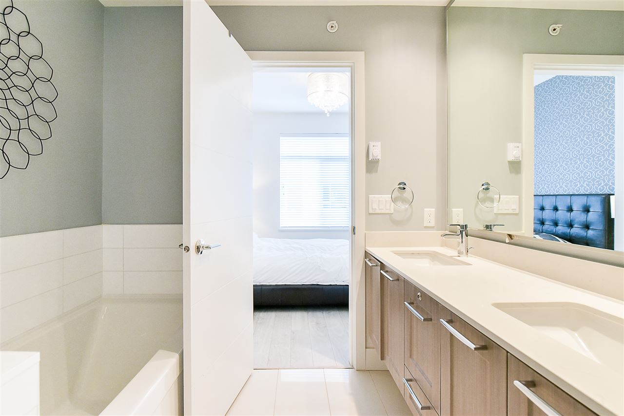 Townhouse at 1 15918 MOUNTAIN VIEW DRIVE, Unit 1, South Surrey White Rock, British Columbia. Image 13