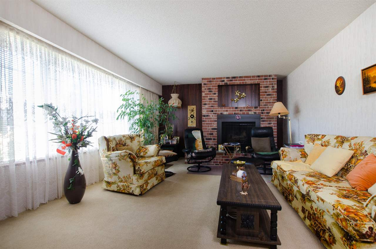 Detached at 5248 CENTRAL AVENUE, Ladner, British Columbia. Image 3