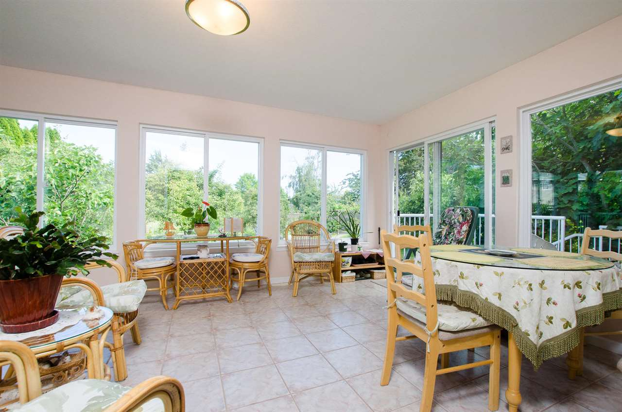 Detached at 5248 CENTRAL AVENUE, Ladner, British Columbia. Image 9