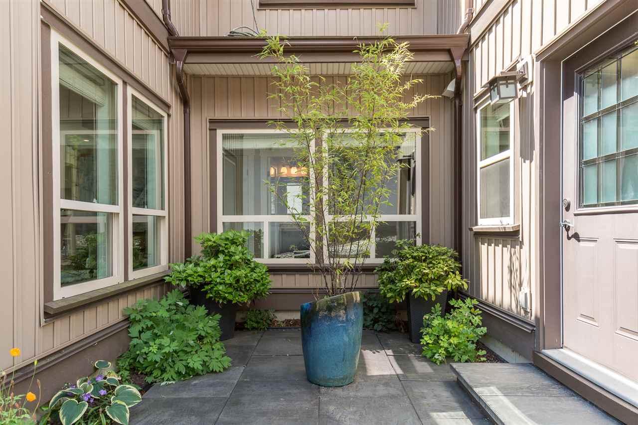 Half-duplex at 1539 HAMMOND AVENUE, Coquitlam, British Columbia. Image 2