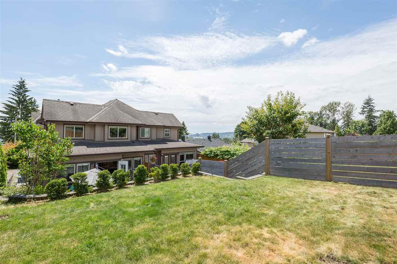 Half-duplex at 1539 HAMMOND AVENUE, Coquitlam, British Columbia. Image 17
