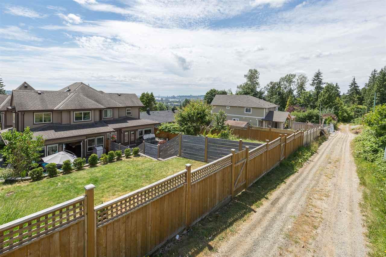 Half-duplex at 1539 HAMMOND AVENUE, Coquitlam, British Columbia. Image 18