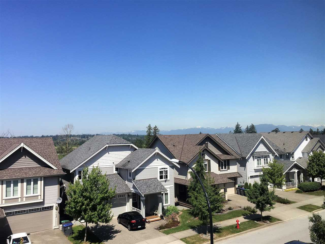 Detached at 7052 178 STREET, Cloverdale, British Columbia. Image 2