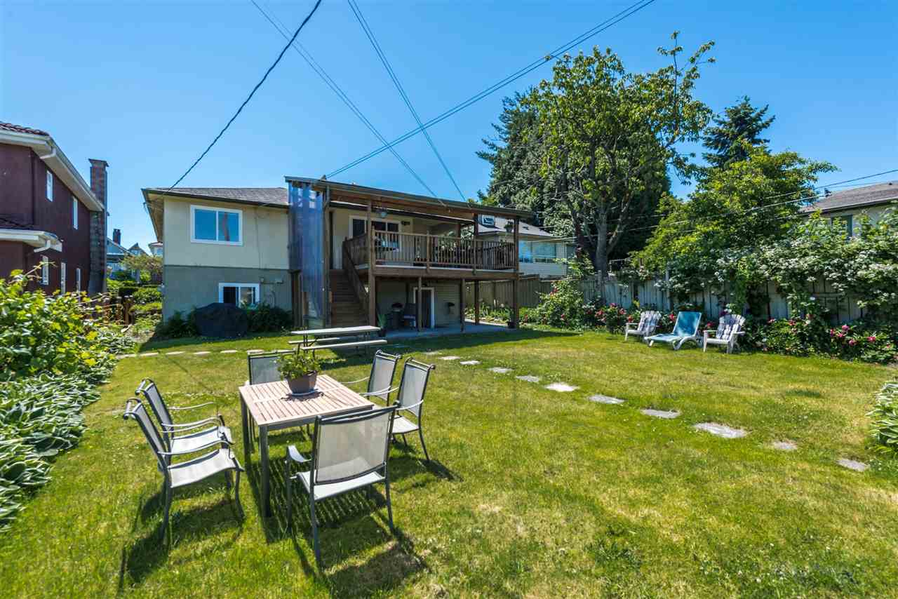 Detached at 2735 OXFORD STREET, Vancouver East, British Columbia. Image 4