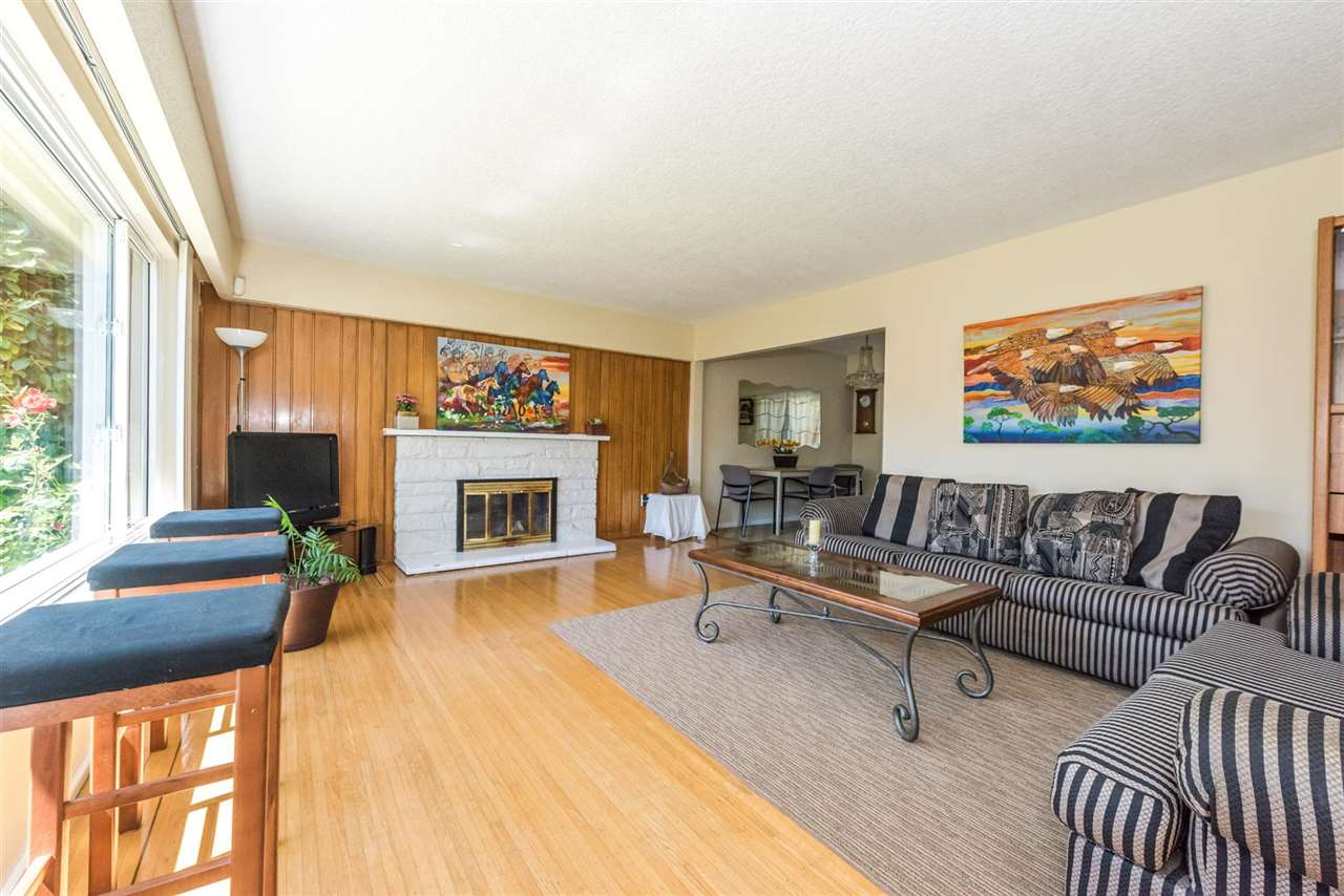 Detached at 2735 OXFORD STREET, Vancouver East, British Columbia. Image 5