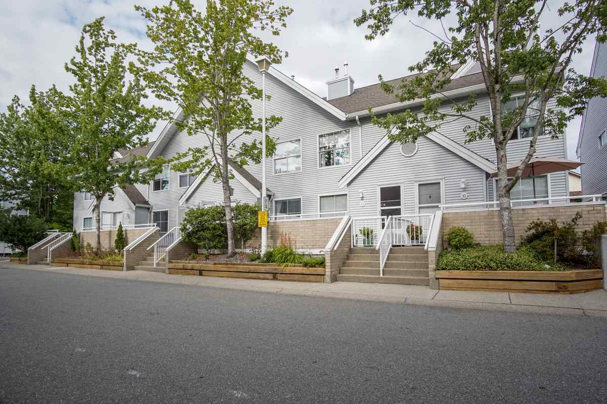 Townhouse at 11 13713 72A AVENUE, Unit 11, Surrey, British Columbia. Image 4
