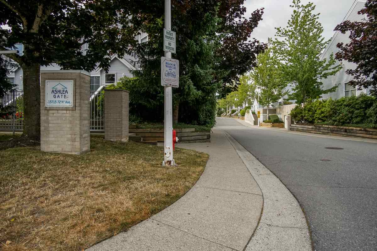 Townhouse at 11 13713 72A AVENUE, Unit 11, Surrey, British Columbia. Image 6
