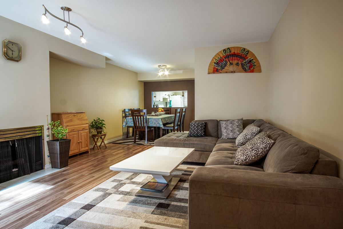 Townhouse at 11 13713 72A AVENUE, Unit 11, Surrey, British Columbia. Image 7