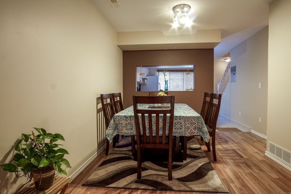 Townhouse at 11 13713 72A AVENUE, Unit 11, Surrey, British Columbia. Image 10