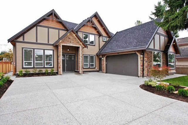 Detached at 14135 110 AVENUE, North Surrey, British Columbia. Image 1