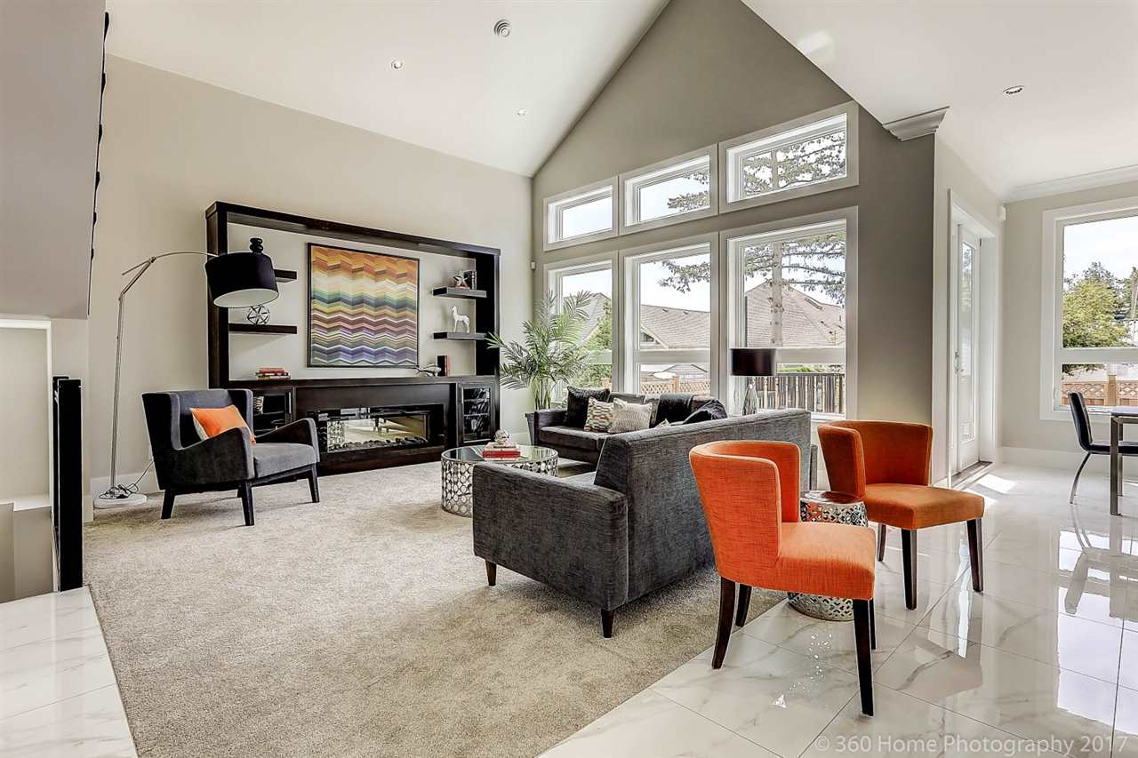 Detached at 17298 0A AVENUE, South Surrey White Rock, British Columbia. Image 2