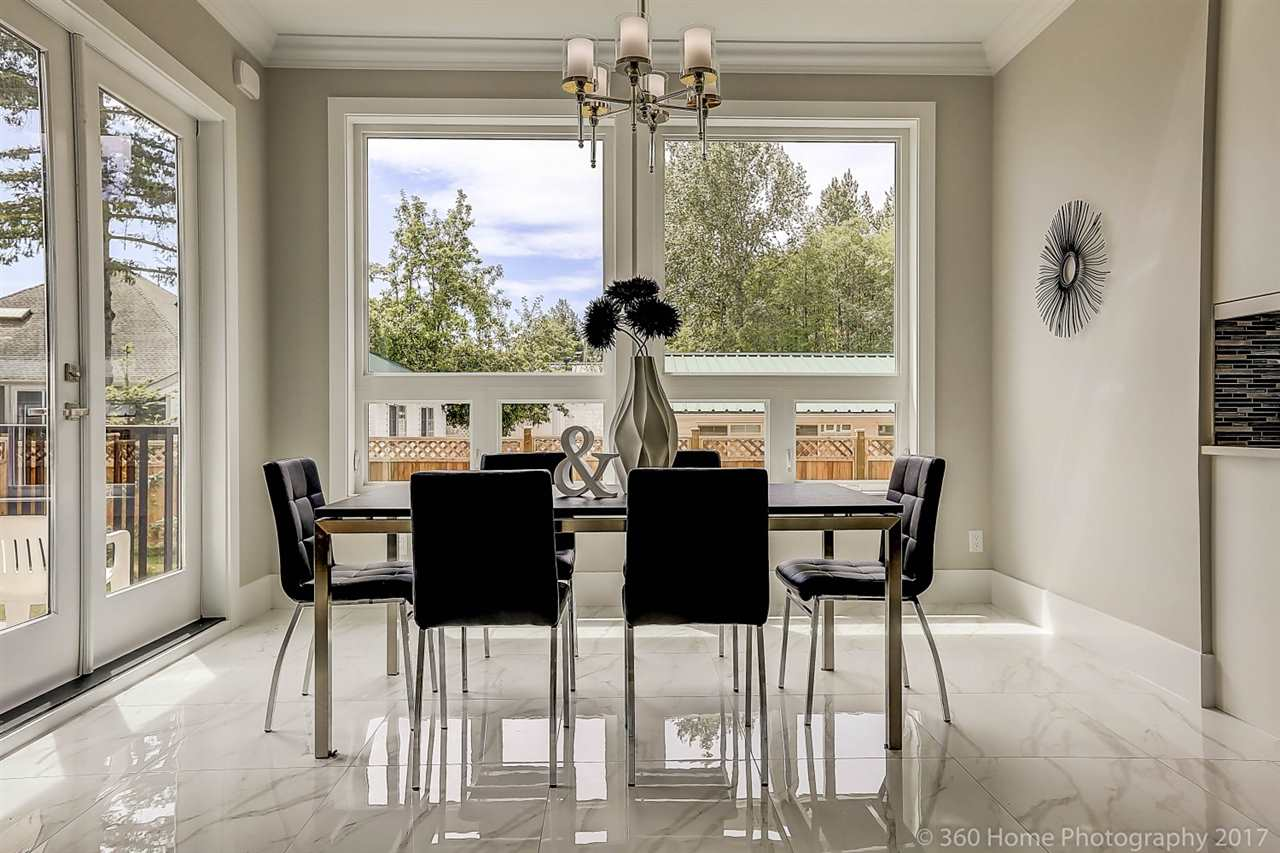 Detached at 17298 0A AVENUE, South Surrey White Rock, British Columbia. Image 3