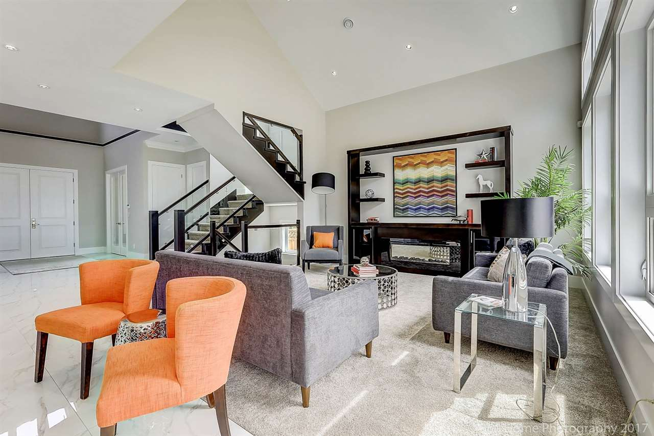 Detached at 17298 0A AVENUE, South Surrey White Rock, British Columbia. Image 4