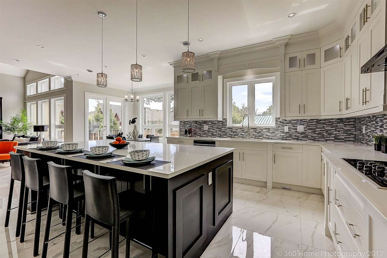Detached at 17298 0A AVENUE, South Surrey White Rock, British Columbia. Image 5