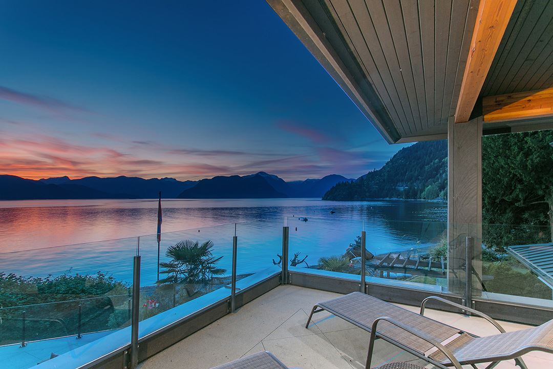 Detached at 24 BRUNSWICK BEACH ROAD, West Vancouver, British Columbia. Image 1