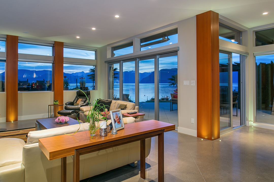 Detached at 24 BRUNSWICK BEACH ROAD, West Vancouver, British Columbia. Image 8