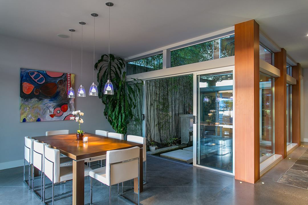 Detached at 24 BRUNSWICK BEACH ROAD, West Vancouver, British Columbia. Image 9