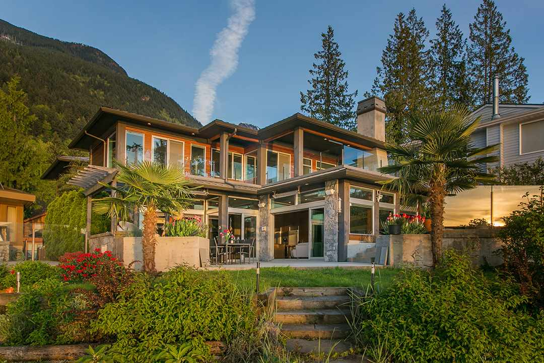 Detached at 24 BRUNSWICK BEACH ROAD, West Vancouver, British Columbia. Image 20