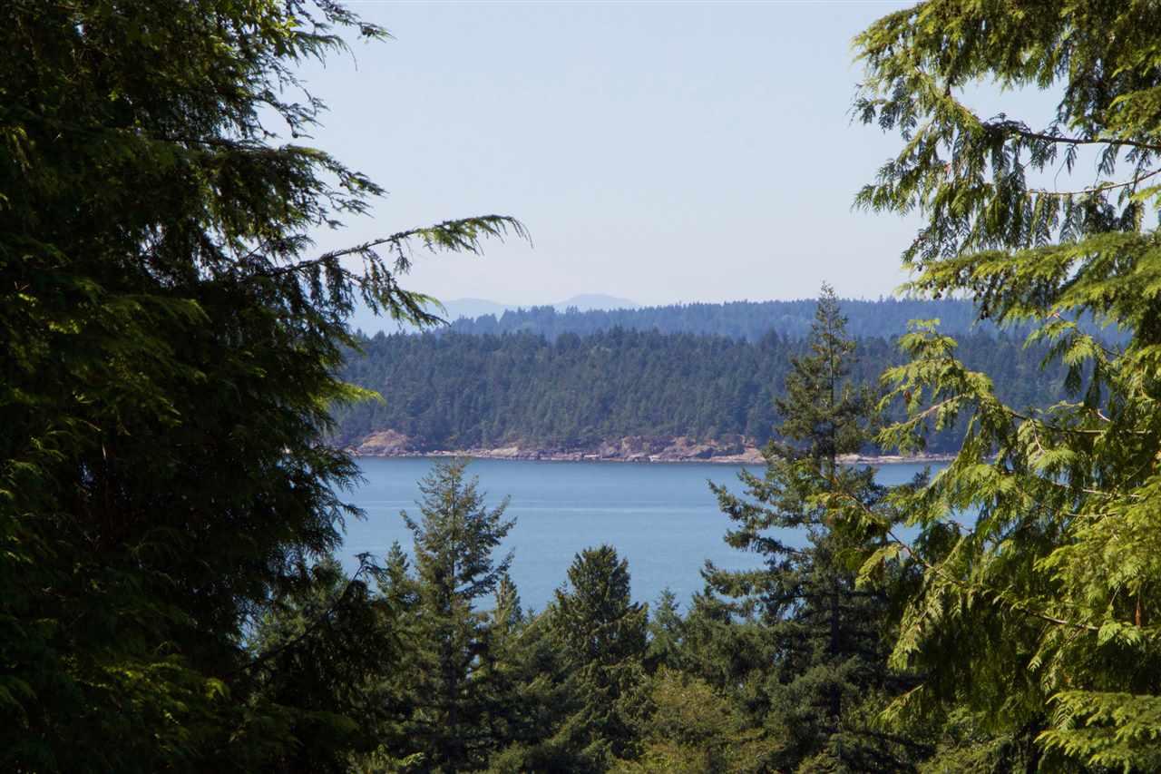 Detached at 1600 WHITE SAILS DRIVE, Bowen Island, British Columbia. Image 8