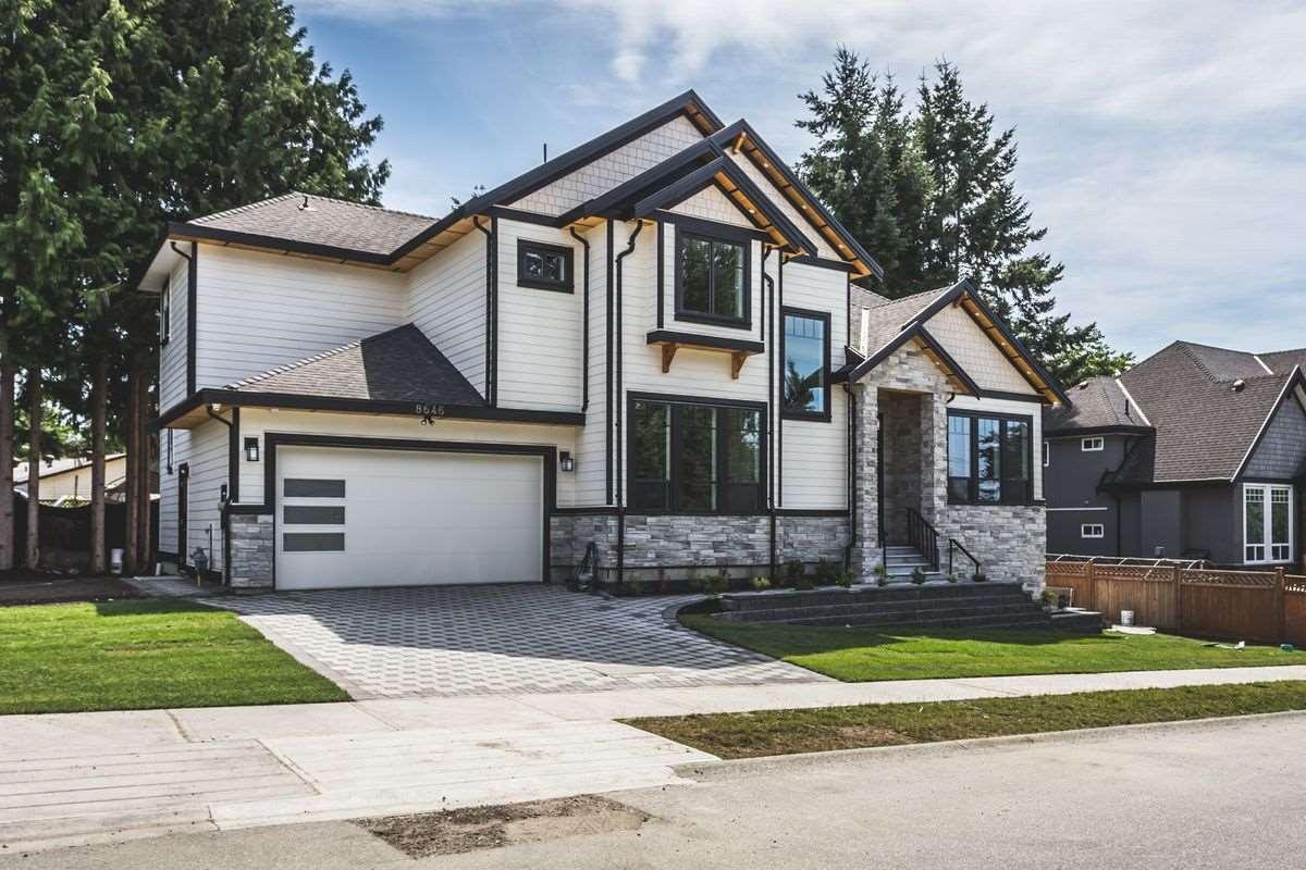 Detached at 8646 154A STREET, Surrey, British Columbia. Image 11
