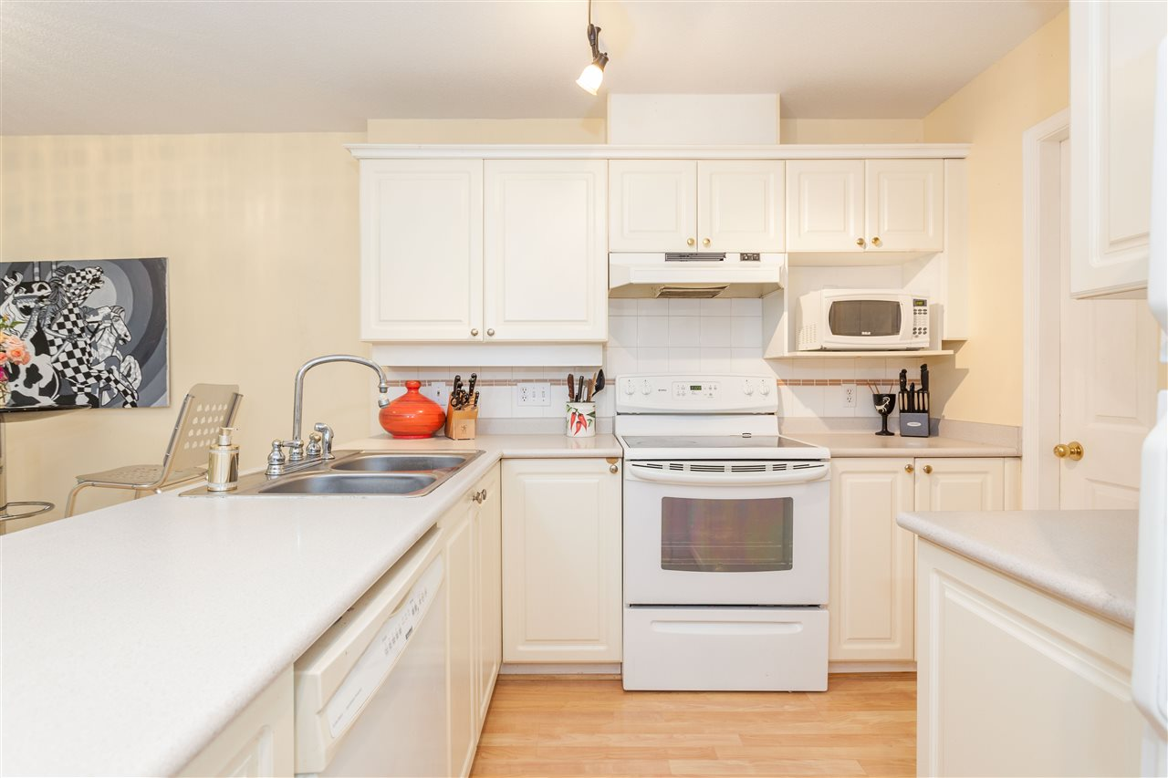 Townhouse at 16 8675 WALNUT GROVE DRIVE, Unit 16, Langley, British Columbia. Image 9