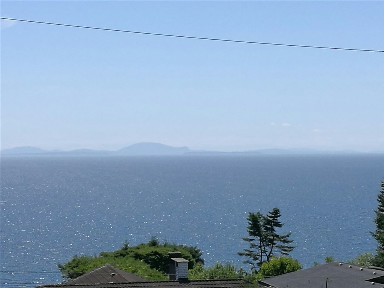 Detached at 13567 13A AVENUE, South Surrey White Rock, British Columbia. Image 1