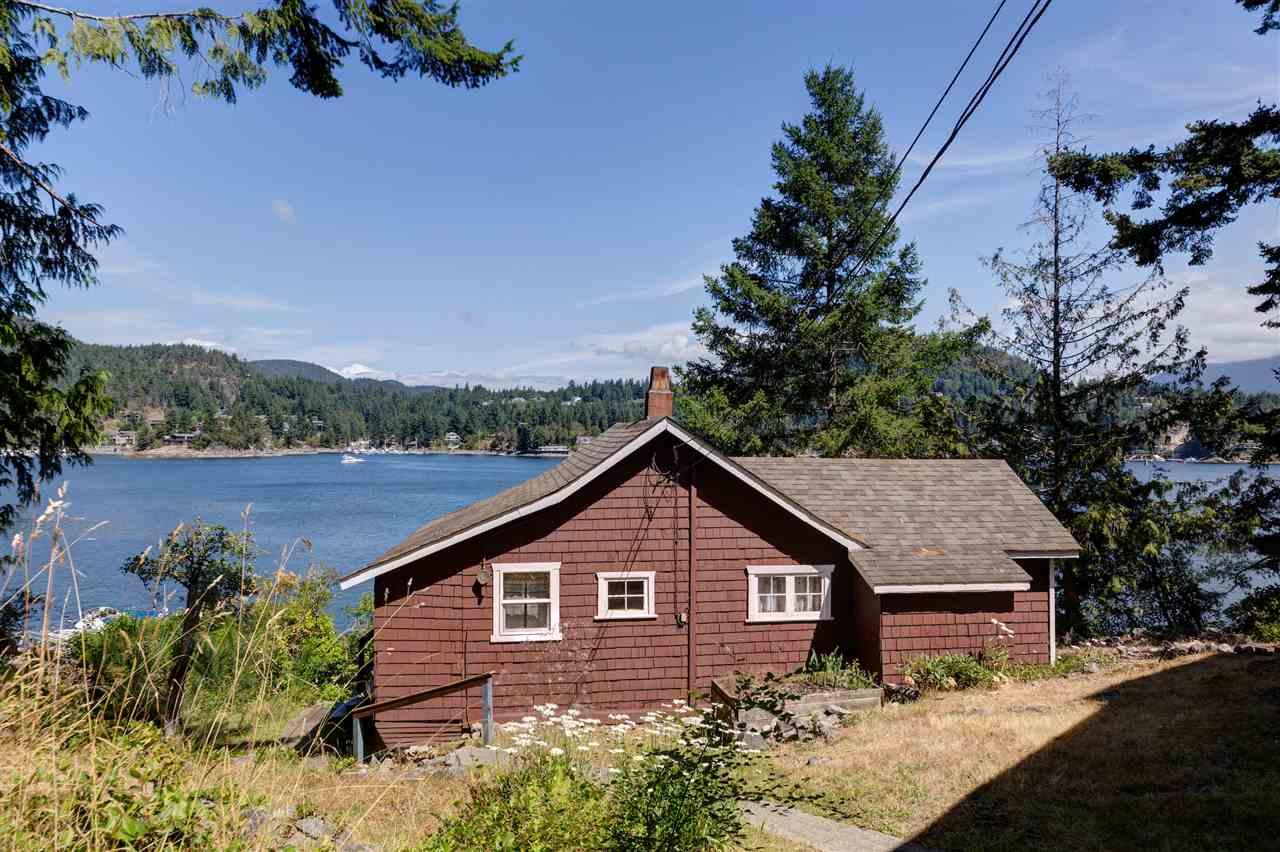 Detached at 13038 HASSAN ROAD, Sunshine Coast, British Columbia. Image 6