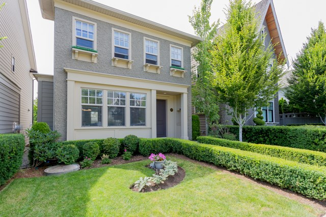 Detached at 3427 ROSEMARY HEIGHTS DRIVE, South Surrey White Rock, British Columbia. Image 2