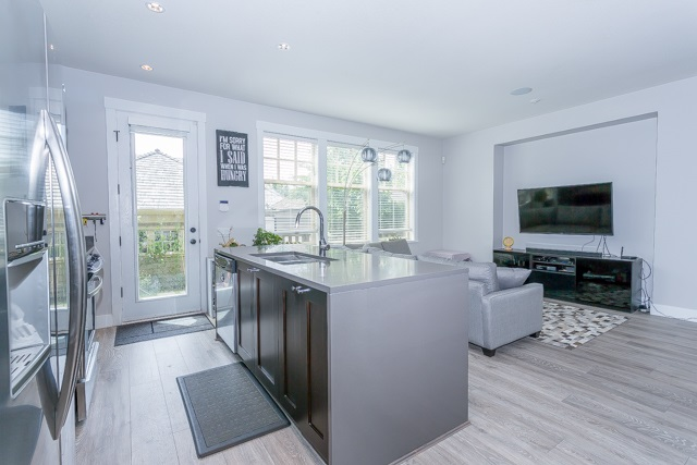 Detached at 3427 ROSEMARY HEIGHTS DRIVE, South Surrey White Rock, British Columbia. Image 8
