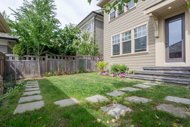 Detached at 3427 ROSEMARY HEIGHTS DRIVE, South Surrey White Rock, British Columbia. Image 19