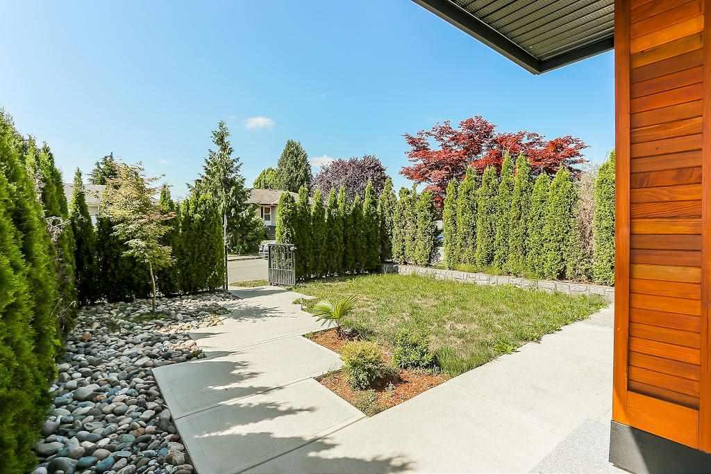 Half-duplex at 6681 DUNNEDIN STREET, Burnaby North, British Columbia. Image 3