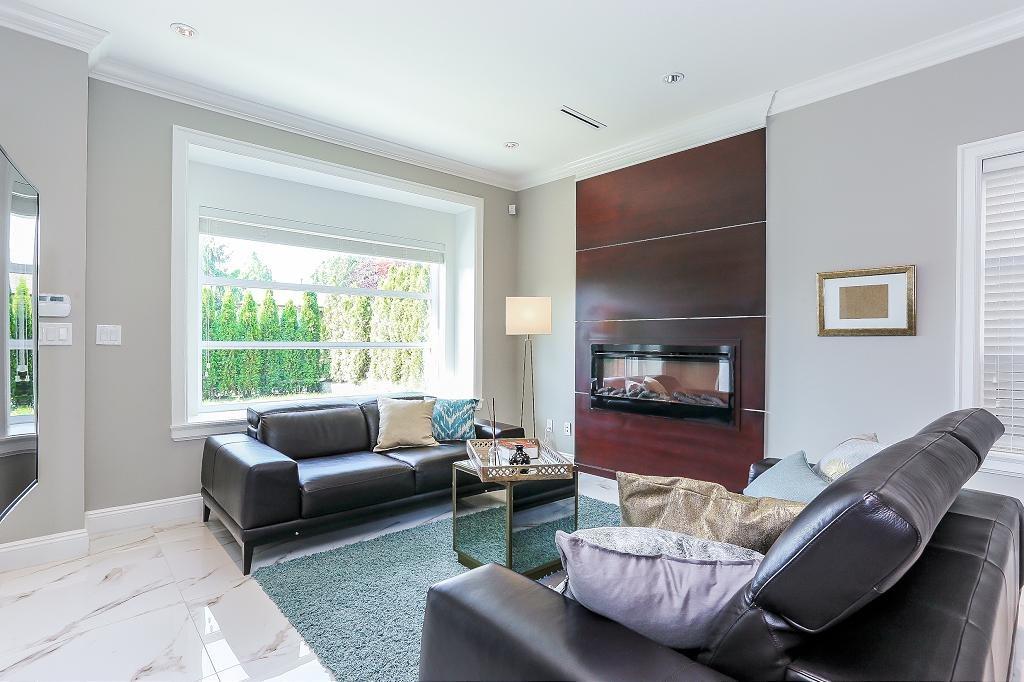 Half-duplex at 6681 DUNNEDIN STREET, Burnaby North, British Columbia. Image 4