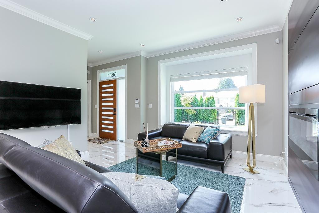 Half-duplex at 6681 DUNNEDIN STREET, Burnaby North, British Columbia. Image 5