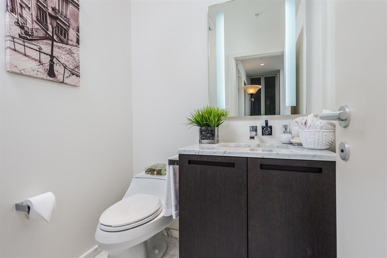 Condo Apartment at 3007 1011 W CORDOVA STREET, Unit 3007, Vancouver West, British Columbia. Image 10