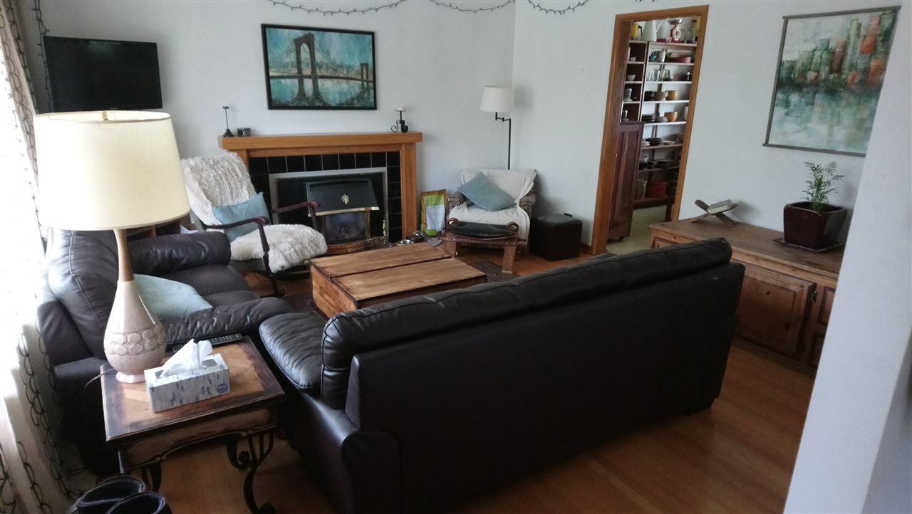 Detached at 4540 PARKER STREET, Burnaby North, British Columbia. Image 3