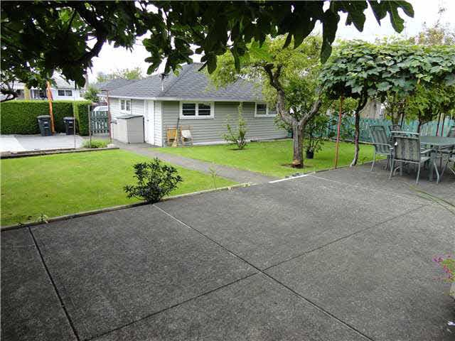Detached at 4540 PARKER STREET, Burnaby North, British Columbia. Image 7
