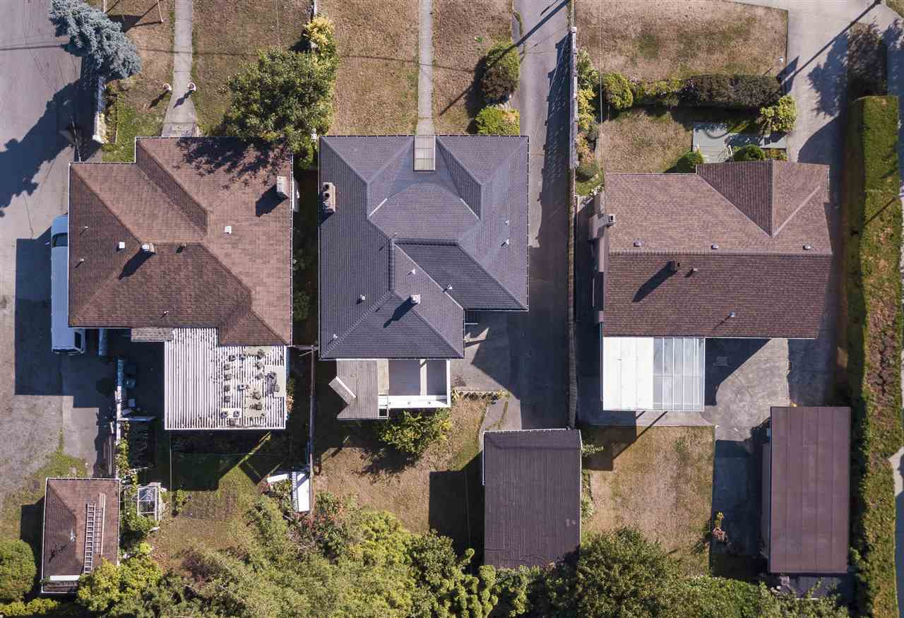 Detached at 7455 ROYAL OAK AVENUE, Burnaby South, British Columbia. Image 3