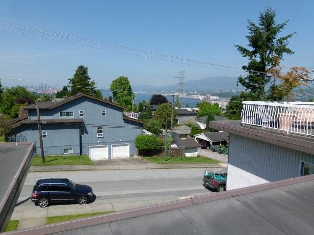 Condo Apartment at 101 550 N ESMOND AVENUE, Unit 101, Burnaby North, British Columbia. Image 2