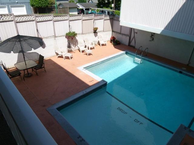 Condo Apartment at 101 550 N ESMOND AVENUE, Unit 101, Burnaby North, British Columbia. Image 16