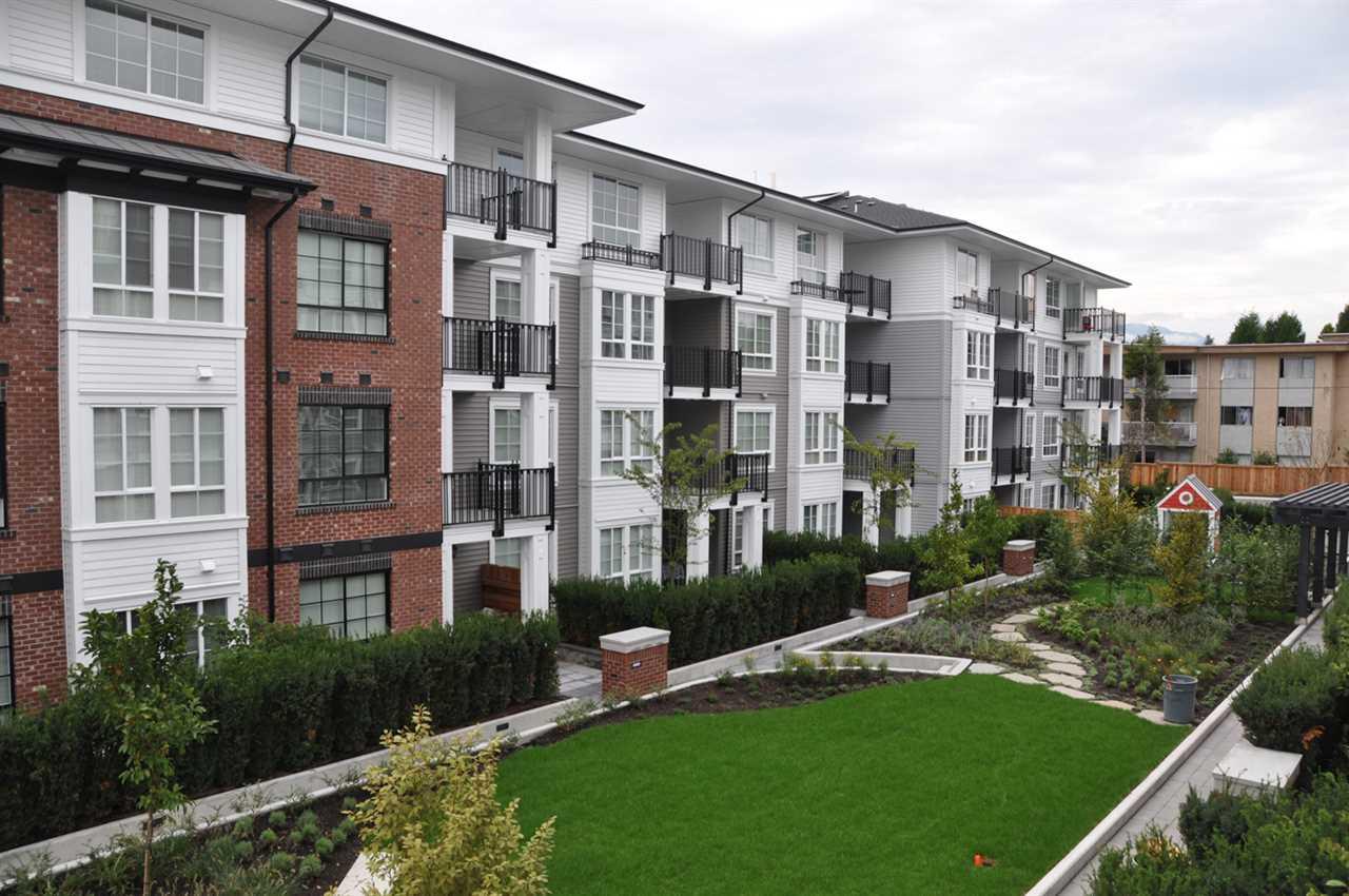 Condo Apartment at 201 555 FOSTER AVENUE, Unit 201, Coquitlam, British Columbia. Image 2